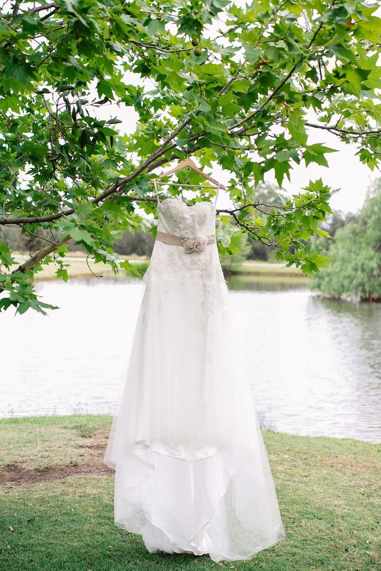 emmalie-zachary-peppers-creek-barrel-room-huntervalley-wedding012