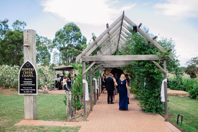 emmalie-zachary-peppers-creek-barrel-room-huntervalley-wedding033