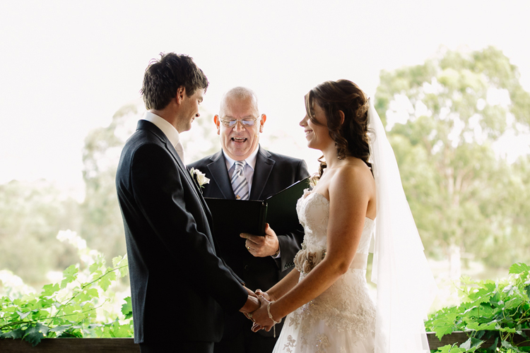 emmalie-zachary-peppers-creek-barrel-room-huntervalley-wedding040