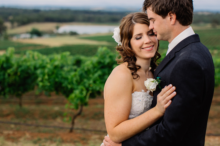 emmalie-zachary-peppers-creek-barrel-room-huntervalley-wedding051