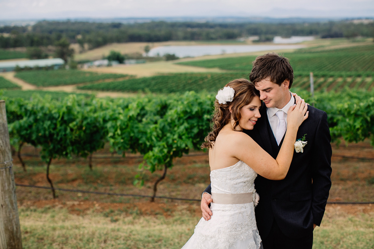 emmalie-zachary-peppers-creek-barrel-room-huntervalley-wedding053