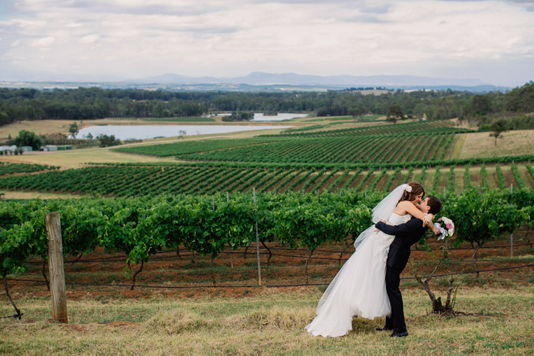 emmalie-zachary-peppers-creek-barrel-room-huntervalley-wedding054