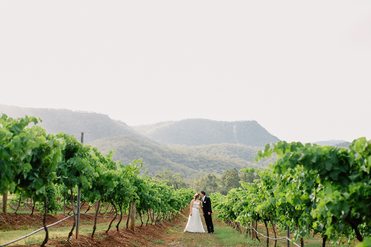emmalie-zachary-peppers-creek-barrel-room-huntervalley-wedding056