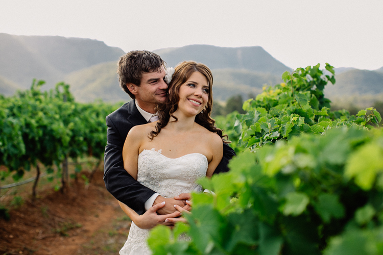 emmalie-zachary-peppers-creek-barrel-room-huntervalley-wedding058