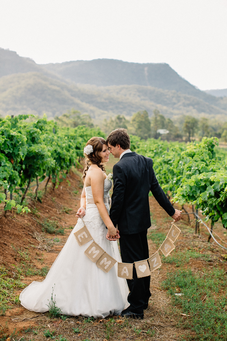 emmalie-zachary-peppers-creek-barrel-room-huntervalley-wedding060