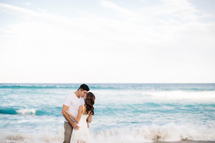 maggie-graham-bronte-beach-engagement-029