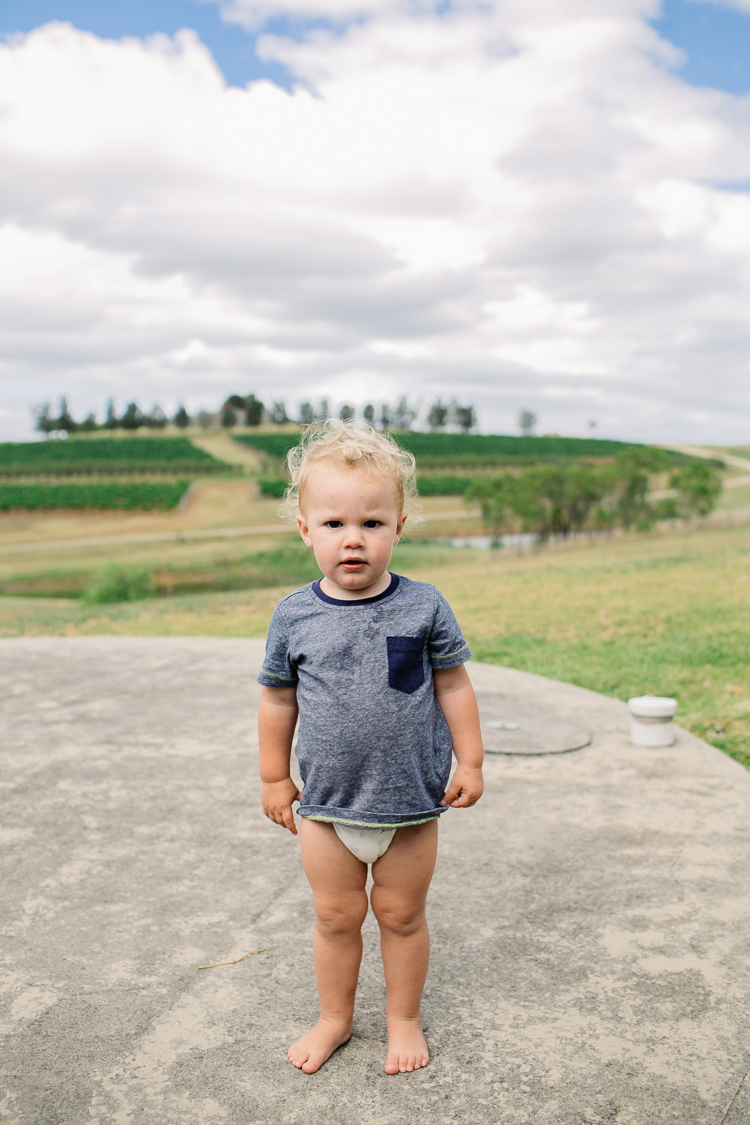 emmalie-zachary-peppers-creek-barrel-room-huntervalley-wedding002