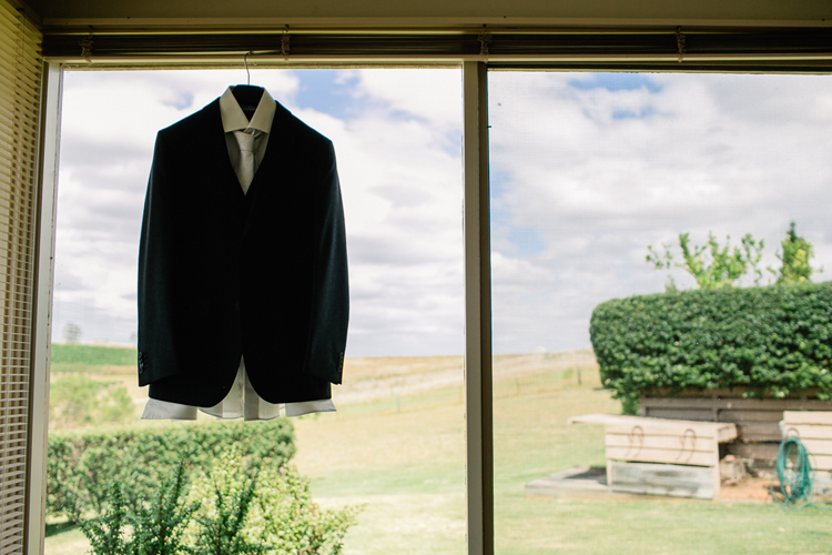 emmalie-zachary-peppers-creek-barrel-room-huntervalley-wedding003